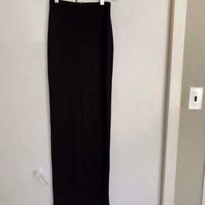 NWOT✨ H&M Maxi Skirt With Back Slit Black Size 2